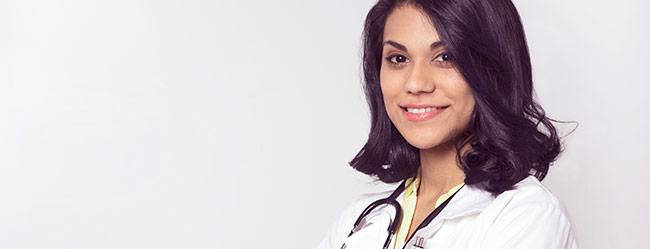 Attraktiver Beruf: Ärztin in Uniform als Paradebeispiel