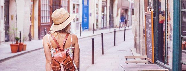 Urlaub alleine: Single Frau unterwegs auf Reisen