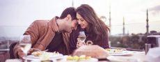 Mann hat positiven ersten Eindruck von seiner Date-Partnerin
