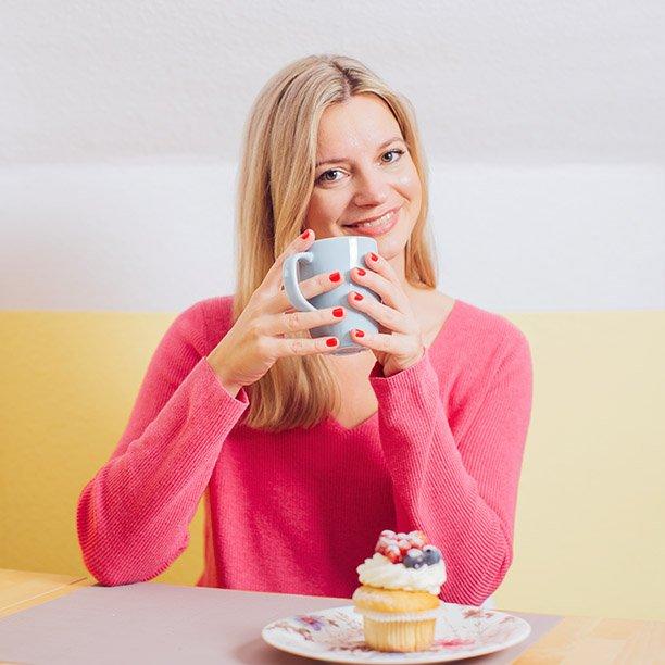 Bei einer Tasse Kaffee entspannt sich Single Anika aus Essen gerne. Jetzt anmelden!