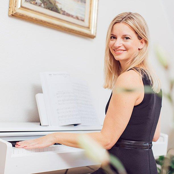 Klavierspielen ist die große Leidenschaft von Single Anika. Jetzt mehr erfahren!
